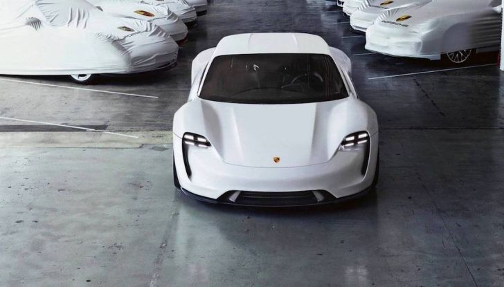 Auto elettriche: si risparmiano almeno 12.000€ in 10 anni - Foto 1 di 13