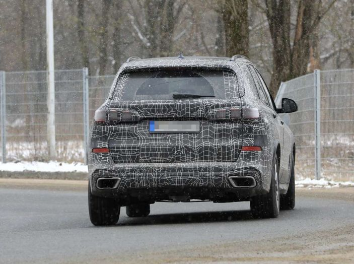BMW X5, la quarta generazione debutta su strada - Foto 2 di 28