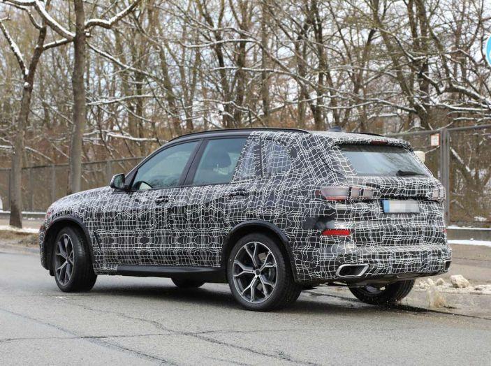 BMW X5, la quarta generazione debutta su strada - Foto 11 di 28