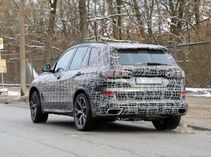 BMW X5, la quarta generazione debutta su strada - Foto 13 di 28