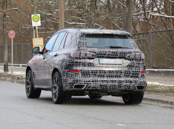 BMW X5, la quarta generazione debutta su strada - Foto 14 di 28