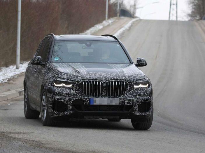 BMW X5, la quarta generazione debutta su strada - Foto 15 di 28