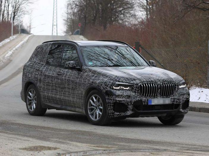 BMW X5, la quarta generazione debutta su strada - Foto 16 di 28