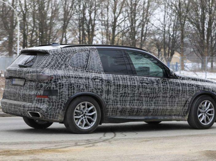 BMW X5, la quarta generazione debutta su strada - Foto 19 di 28