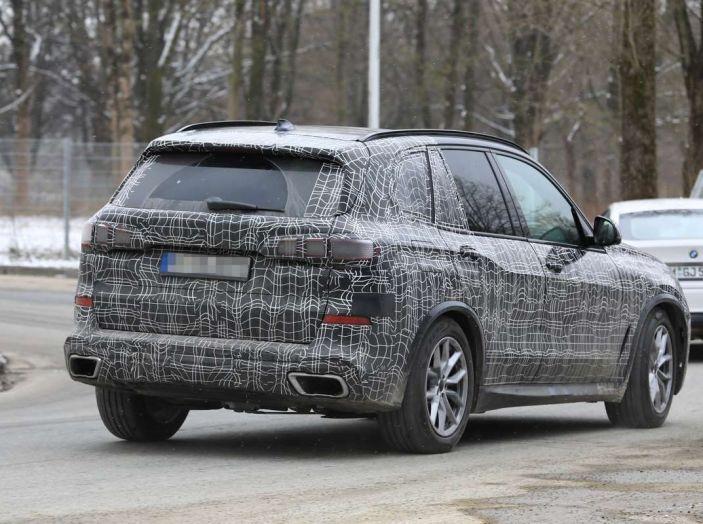BMW X5, la quarta generazione debutta su strada - Foto 21 di 28