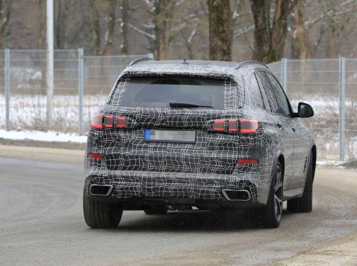 BMW X5, la quarta generazione debutta su strada - Foto 22 di 28