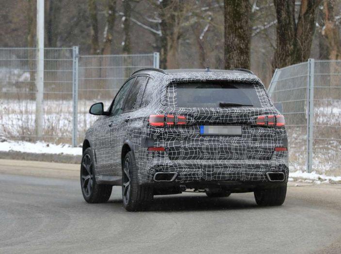 BMW X5, la quarta generazione debutta su strada - Foto 23 di 28