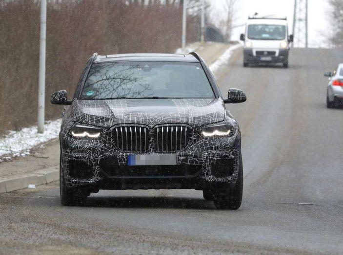 BMW X5, la quarta generazione debutta su strada - Foto 20 di 28