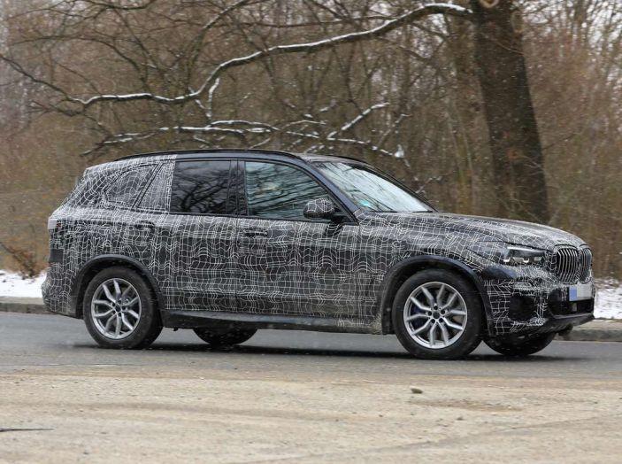 BMW X5, la quarta generazione debutta su strada - Foto 12 di 28