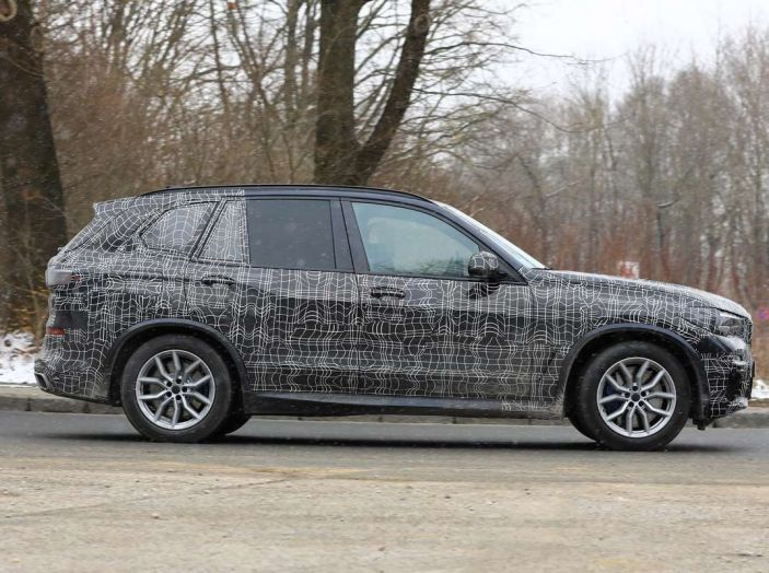 BMW X5, la quarta generazione debutta su strada - Foto 28 di 28