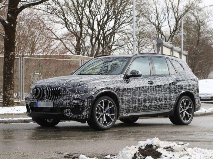 BMW X5, la quarta generazione debutta su strada - Foto 7 di 28