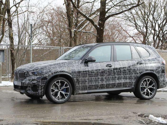 BMW X5, la quarta generazione debutta su strada - Foto 8 di 28