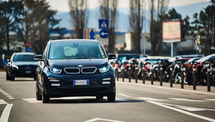 BMW i3 2018, la nostra prova su strada della piccola bavarese - Foto 14 di 21