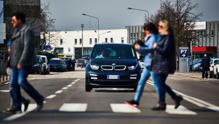BMW i3 2018, la nostra prova su strada della piccola bavarese - Foto 3 di 21