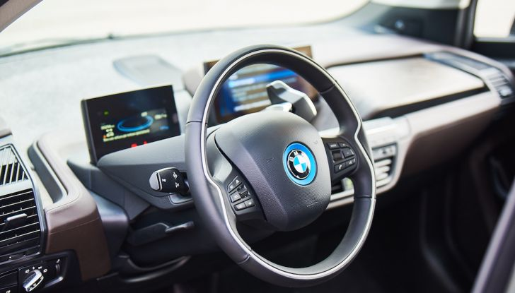 BMW i3 2018, la nostra prova su strada della piccola bavarese - Foto 6 di 21