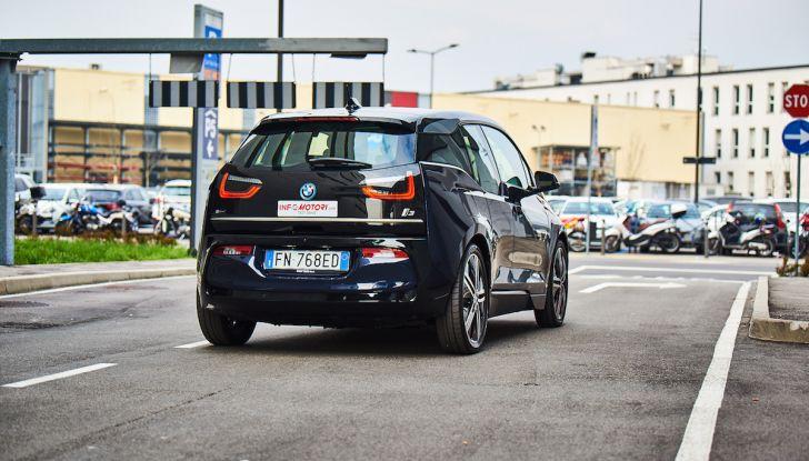 BMW i3 2018, la nostra prova su strada della piccola bavarese - Foto 10 di 21