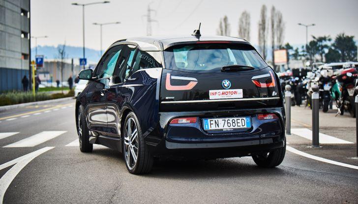BMW i3 2018, la nostra prova su strada della piccola bavarese - Foto 12 di 21