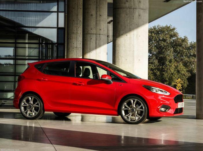 Le auto più comprate in Italia? A vincere tra le straniere è Ford Fiesta - Foto 13 di 25