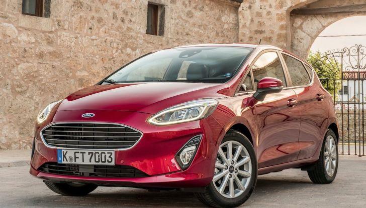 Le auto più comprate in Italia? A vincere tra le straniere è Ford Fiesta - Foto 18 di 25