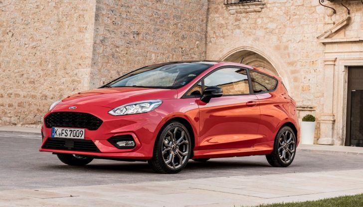 Le auto più comprate in Italia? A vincere tra le straniere è Ford Fiesta - Foto 20 di 25