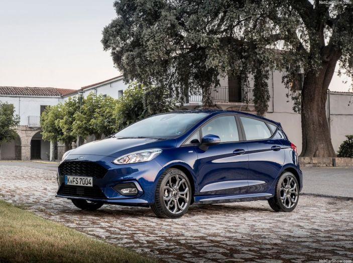 Le auto più comprate in Italia? A vincere tra le straniere è Ford Fiesta - Foto 22 di 25