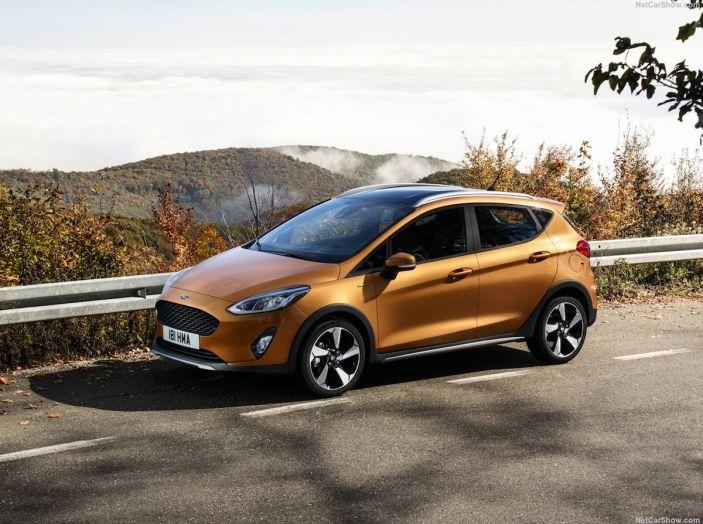 Le auto più comprate in Italia? A vincere tra le straniere è Ford Fiesta - Foto 5 di 25