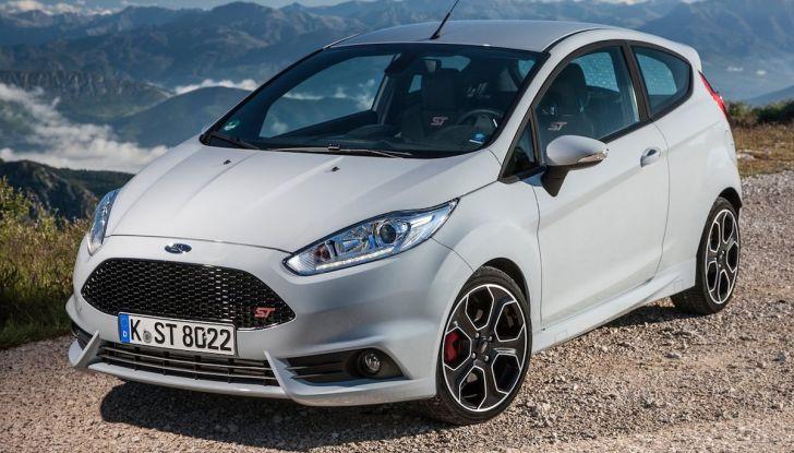 Le auto più comprate in Italia? A vincere tra le straniere è Ford Fiesta - Foto 9 di 25