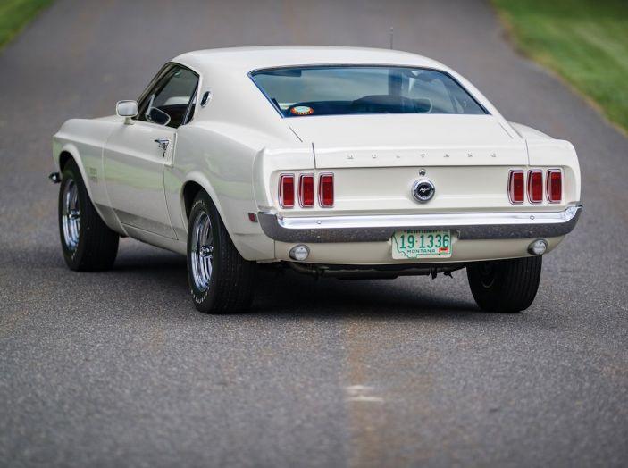 Ford Mustang è la vettura sportiva più venduta al mondo - Foto 8 di 9
