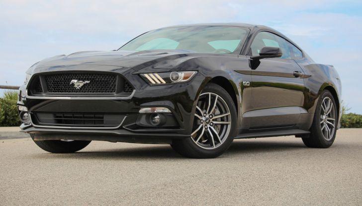 Ford Mustang è la vettura sportiva più venduta al mondo - Foto 4 di 9