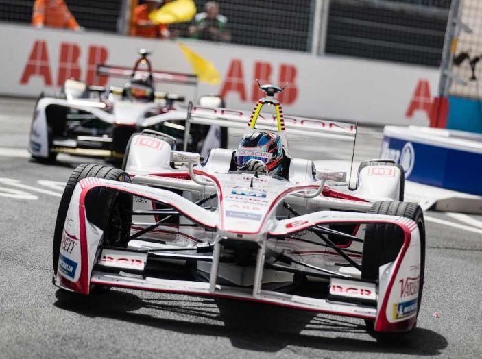 Formula E: gran business, nomi prestigiosi, ma ancora poca autonomia - Foto 16 di 43