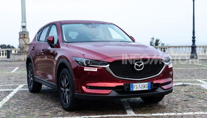 Mazda CX-5 2018, prova su strada: due versioni a confronto - Foto 2 di 34