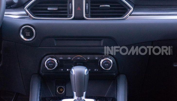 Mazda CX-5 2018, prova su strada: due versioni a confronto - Foto 28 di 34