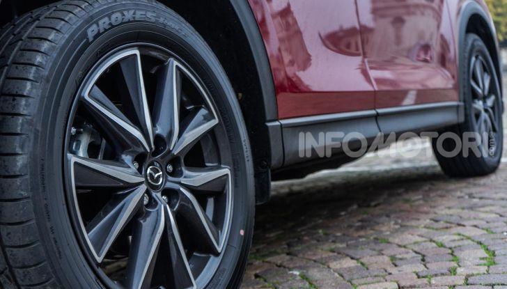 Mazda CX-5 2018, prova su strada: due versioni a confronto - Foto 26 di 34