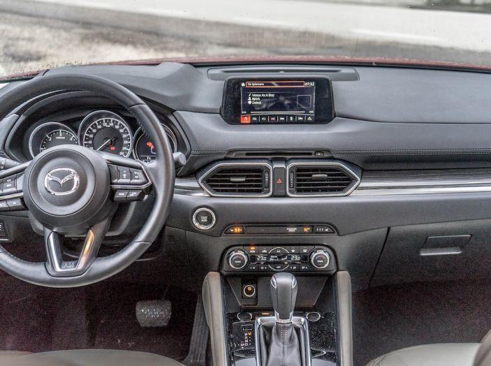 Mazda CX-5 2018, prova su strada: il 2.2 da 175CV con AWD [VIDEO] - Foto 22 di 28