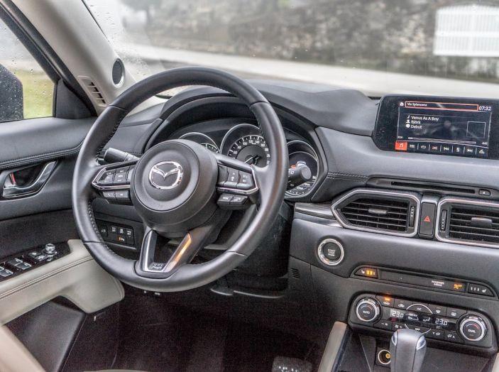 Mazda CX-5 2018, prova su strada: il 2.2 da 175CV con AWD [VIDEO] - Foto 23 di 28