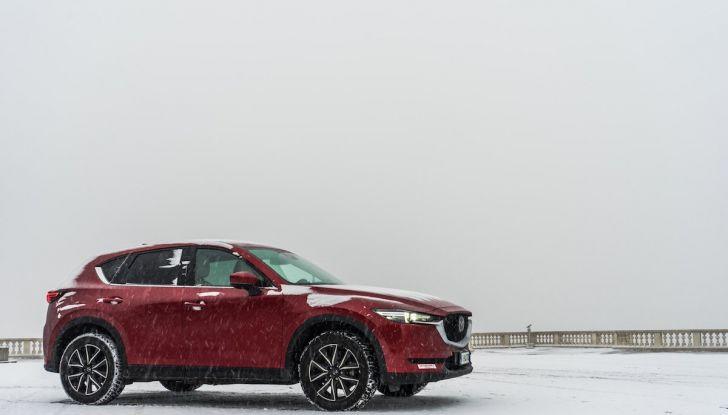 Mazda CX-5 2018, prova su strada: due versioni a confronto - Foto 12 di 34