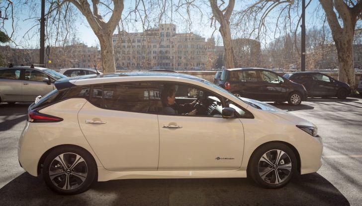 Nissan Leaf 2018, prova su strada della seconda serie: spazio al futuro - Foto 6 di 15