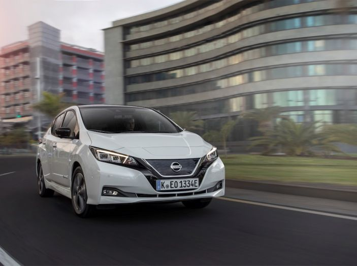 Nissan Leaf 2018, prova su strada della seconda serie: spazio al futuro - Foto 2 di 15