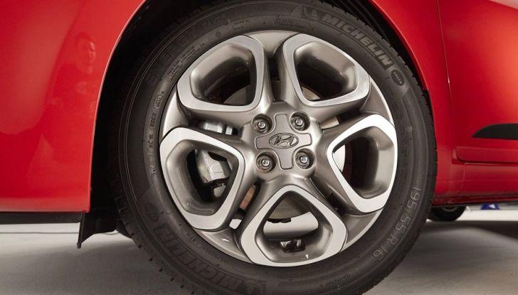 Hyundai i20 2018: più colore, nuovi motori e aggiornamenti tecnologici - Foto 7 di 14
