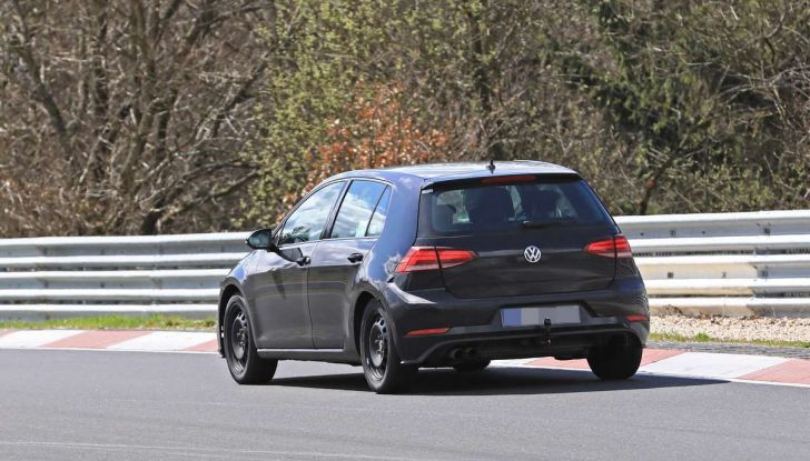 La prossima Volkswagen Golf sarà mild hybrid a 48 Volt - Foto 11 di 19