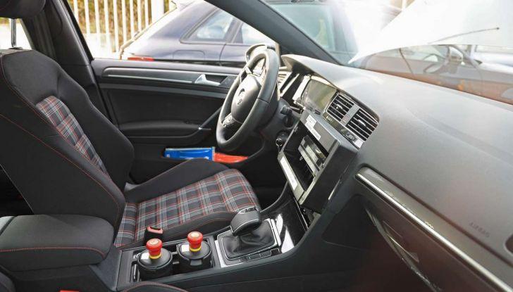 La prossima Volkswagen Golf sarà mild hybrid a 48 Volt - Foto 17 di 19