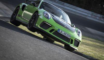 [VIDEO] Porsche 911 GT3 RS da record al Nürburgring in 6'56.4