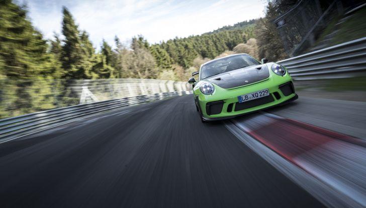 [VIDEO] Porsche 911 GT3 RS da record al Nürburgring in 6'56.4 - Foto 4 di 6