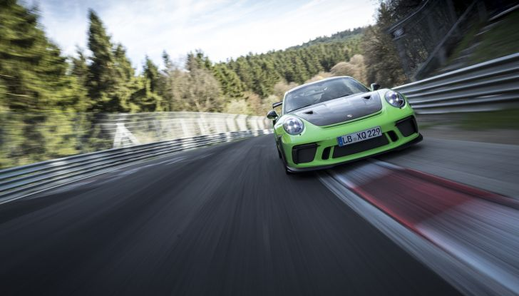 [VIDEO] Porsche 911 GT3 RS da record al Nürburgring in 6'56.4 - Foto 4 di 6