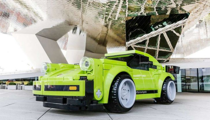 Porsche 911 Turbo, l'esemplare in LEGO al Museo Porsche di Stoccarda - Foto 3 di 5
