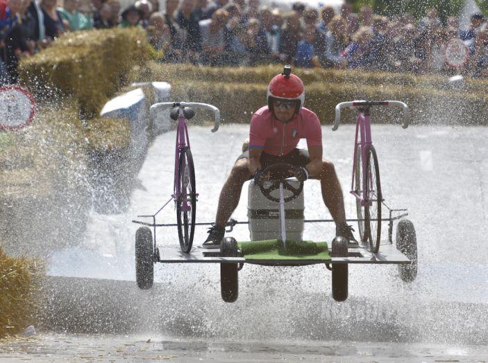 RedBull Soapbox Race, a Roma 70 folli equipaggi pronti a dare spettacolo - Foto 6 di 28