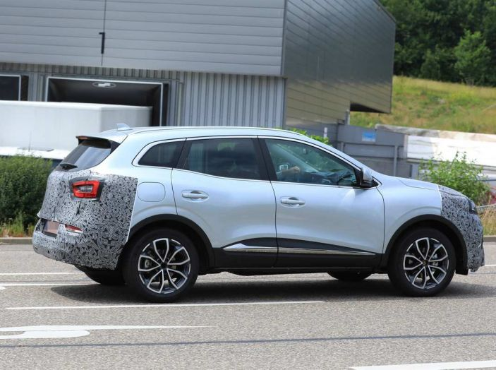 Renault Kadjar Facelift, immagini e informazioni tecniche - Foto 13 di 23