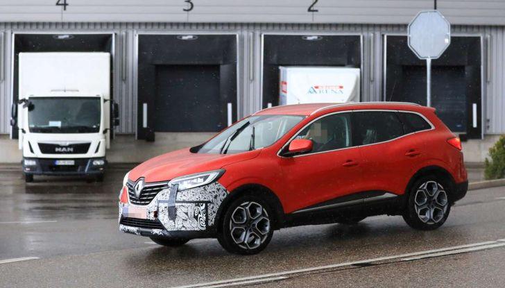Renault Kadjar Facelift, immagini e informazioni tecniche - Foto 18 di 23