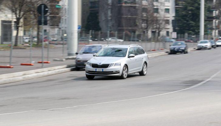 Prova Skoda Octavia Wagon G-TEC: comoda, ecologica e spaziosa! [VIDEO] - Foto 25 di 38