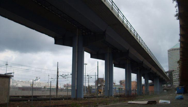 Di Maio, autostrade: tariffa unica senza casello e via i Benetton - Foto 14 di 19